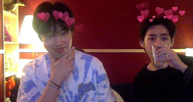 BTS, V, V BTS, Wooga V BTS, Peakboy, V mixtape, bạn thân của V, kim taehyung, bts v, BTS 2020, V 2020, v gif