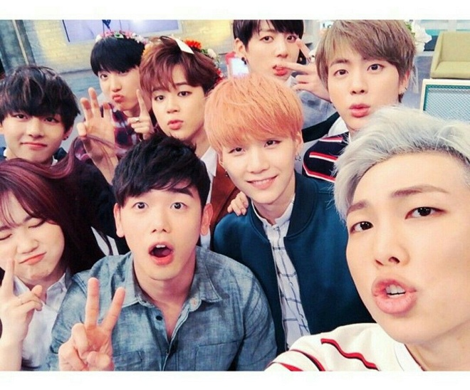 BTS, Jackson RM, GOT7, RM, V, Jimin, J-Hope, Jo kwwon, seunghee, 5 người nổi tiếng đã luôn ủng hộ BTS từu khi debut, bang si huyk, eric nam