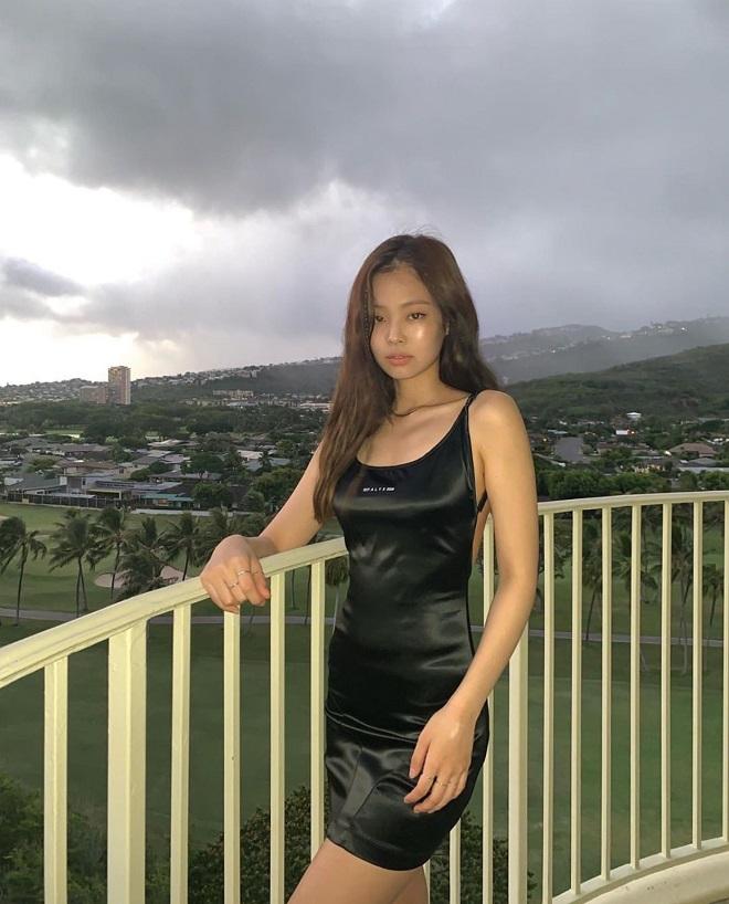 Blackpink, Jennie, Jisoo, Rosé, Lisa, Blackpink 2020, Blackpink mặc váy đen, Blackpink black mini dress, blackpink thời trang, blackpink fashion