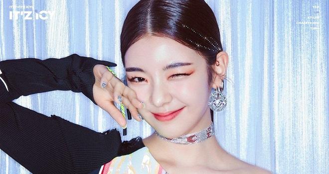 4 nữ thần Kpop sang chảnh như con gái tài phiệt, Jennie, Blackpink, Mina, Twice, ITZY, Lia, Gidle, minnie, nữ thần Kpop, Jennie gif, mina gif, Jennie blackpink ảnh đẹp