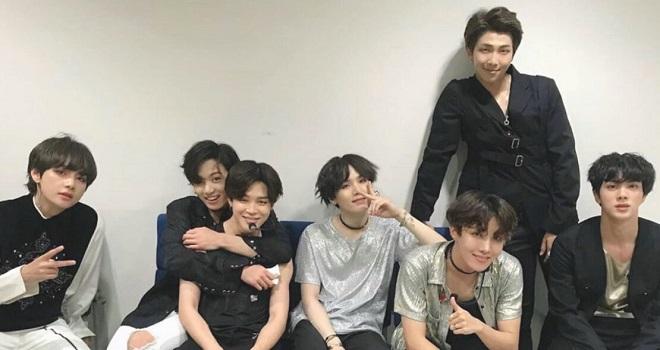 BTS, Jungkook, RM, Jimin, J-Hope, Suga, 4 câu nói năm 2020 của BTS lấy nước mắt ARMY, BTS gif, BTS khóc, MAP OF THE SOUL ON:E, BTS Dynamite, BTS đứng đậu Billboard 100
