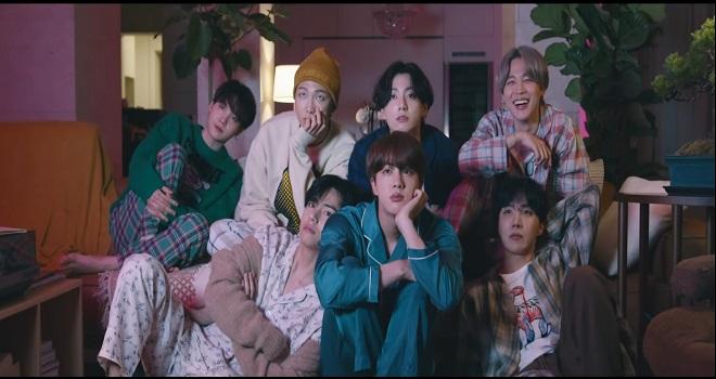 BTS, BTS Life Goes On, BTS 2020, BTS MV, BTS MV mới, BTS album, BTS thành tích, BTS bán được bao nhiêu album BE, view Youtube của BTS, BTS ảnh, BTS giường ngủ, BTS pijama