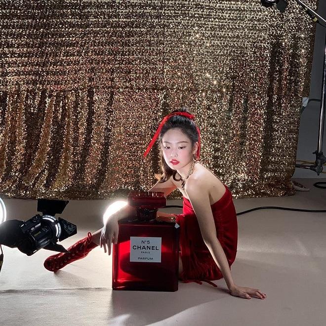 Blackpink, Jennie, Jisoo, Rosé, Lisa, thời trang Blackpink, blackpink mặc màu đỏ, chanel, ysl, dior, celine, blakcpink fashion, blackpink đụng hàng, blackpink ảnh đẹp