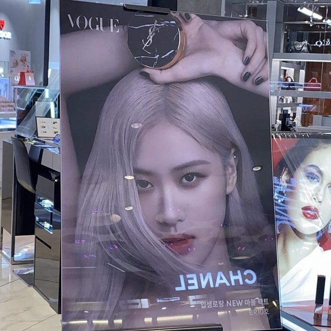 Blakcpink, Jisoo, Jennie, Rosé, Lisa, Blackpink công khai chiến nhau tại trung tâm thương mại, Jennie Hera, Rose YSL, Lisa MAC, Jisoo Dior, Blackpink đại diện thương hiệu