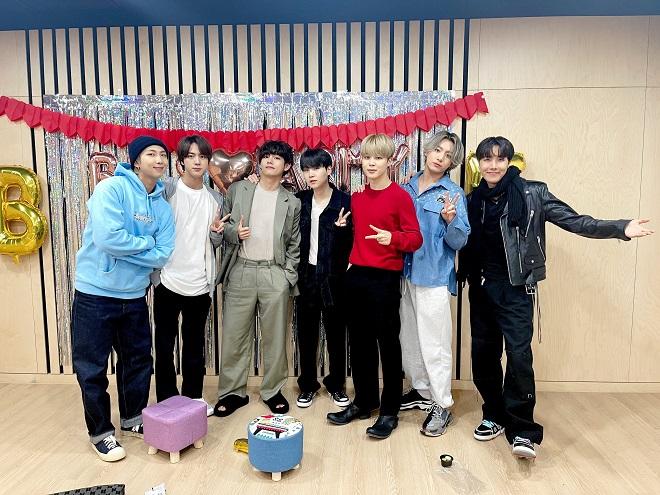 BTS, Jimin, Jimin BTS, BTS 2021, BTS tin tức, BTS Vlive, BTS ảnh, BTS hài hước, Jimin video, Jimin gif, Jimin tài năng, Jimin BTS hack tuổi, ARMY