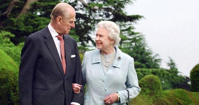 Nữ hoàng Anh, Hoàng tế Philip, Nữ hoàng Elizabeth II, Hoàng tế Philip qua đời
