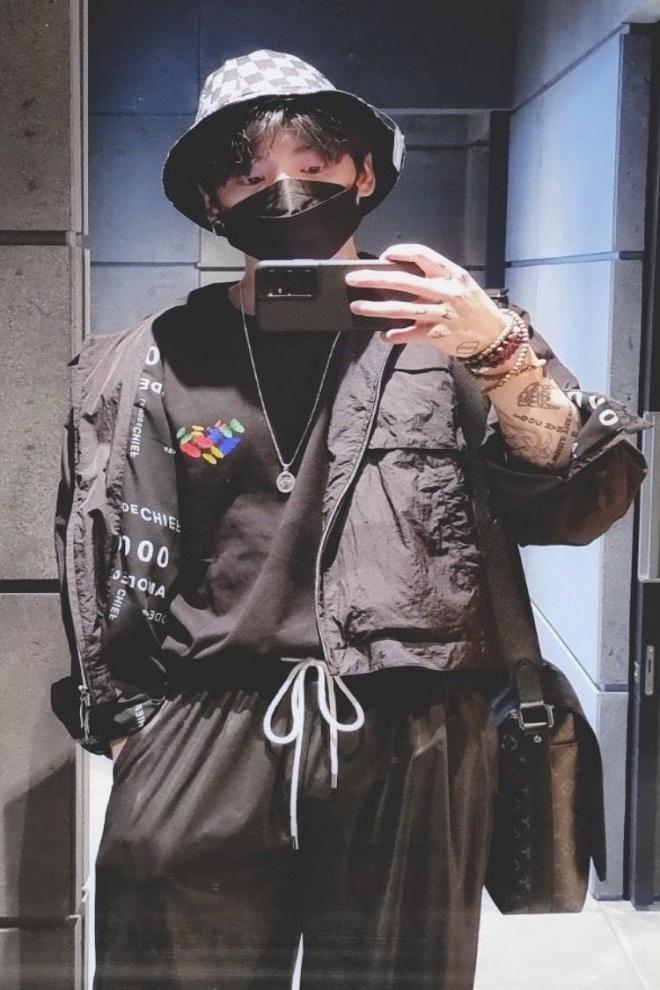 BTS, Jungkook, BTS 2021, BTS tin tức, BTS đồ đôi, BTS đồ dùng, đồ đôi với Jungkook, BTS cheap moment, BTS Jungkook, ảnh Jungkook BTS, Jungkook VLive, Jungkook cháy hàng