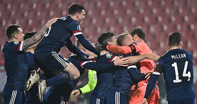 Bong da, bóng đá hôm nay, Scotland, vòng chung kết euro 2021, Scotland giành vé dự Euro, kết quả bóng đá, Messi, Griezmann, Rakitic, tin tức bóng đá hôm nay