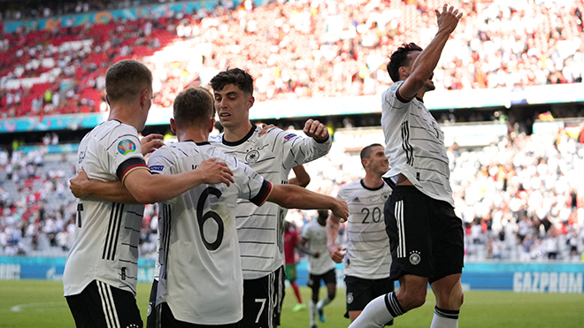 Bồ Đào Nha 2-4 Đức: Đức ngược dòng tưng bừng nhờ 2 bàn phản lưới của Bồ Đào Nha