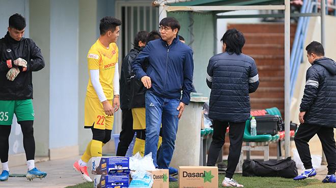 Trợ lý mới của thầy Park bất ngờ xuất hiện, tuyển Việt Nam chưa có bộ khung