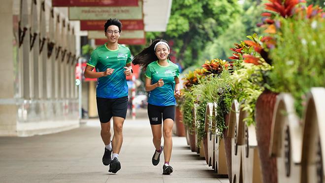 Chạy marathon kiểu 'Chào bình thường mới' ở Hà Nội