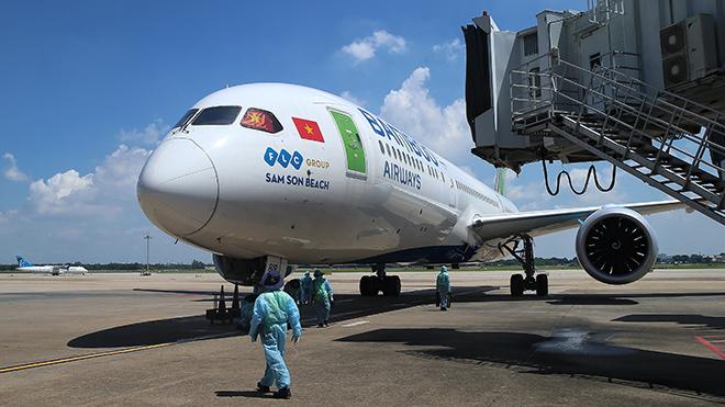 Tuyển Việt Nam về nước trên chuyên cơ của Bamboo Airways