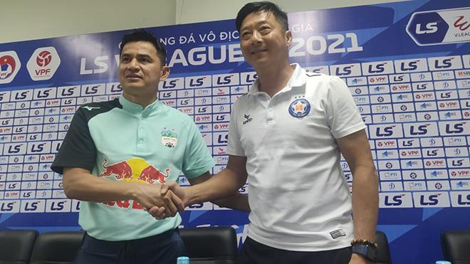 HLV Kiatisuk vui mừng khi gặp lại bạn cũ Lê Huỳnh Đức