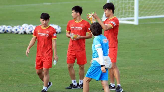 Đình Trọng, Thành Chung vẫn phải tập riêng, thầy Park đau đầu