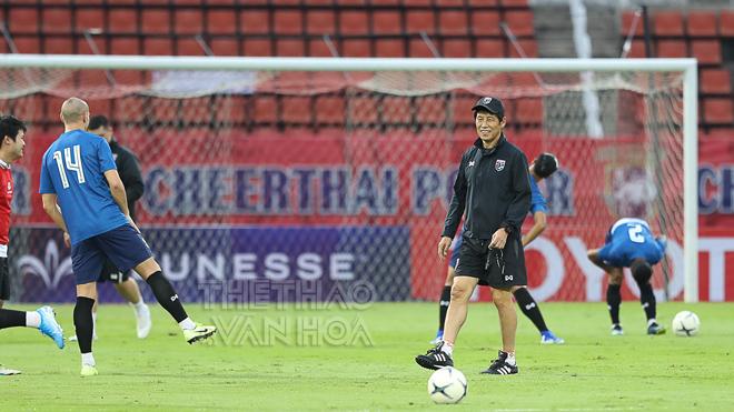 Cầu thủ Thái Lan nói gì khi chia tay HLV Nishino?