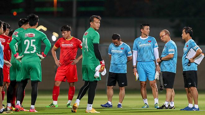 VFF bác tin mâu thuẫn hợp đồng với HLV Park Hang Seo