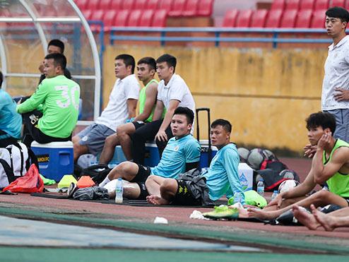 Tấn Trường tiết lộ chấn thương của Quang Hải, Bruno