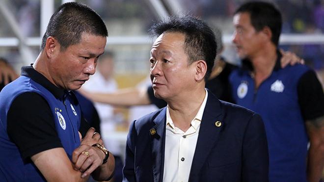 Bầu Hiển nhắc riêng HLV Chu Đình Nghiêm sau trận Viettel-Hà Nội FC
