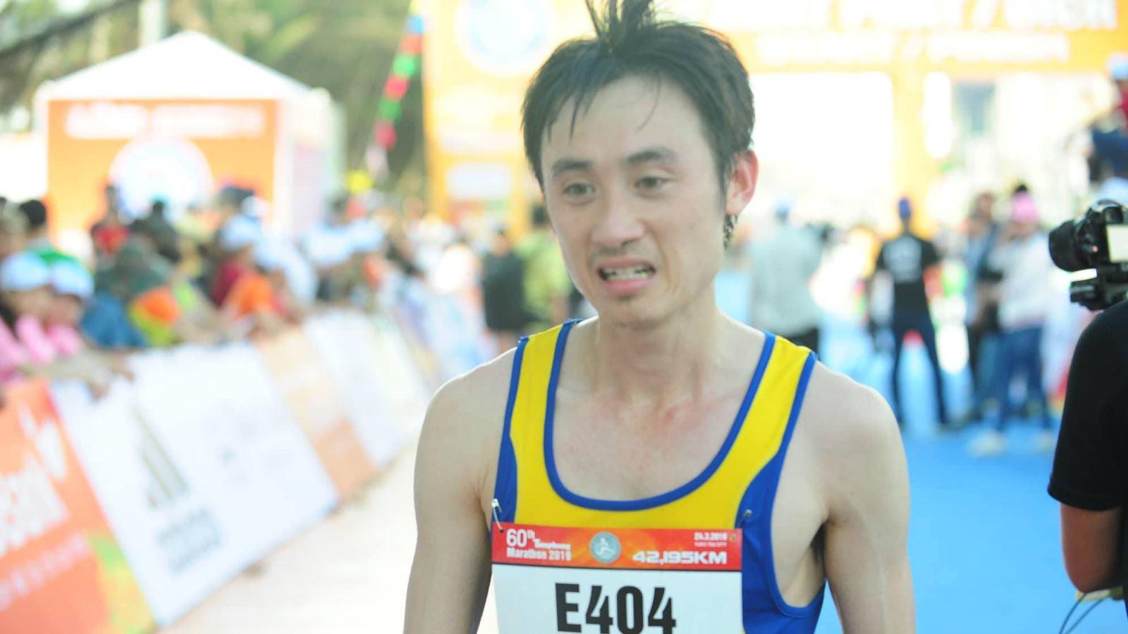 Bùi Thế Anh về nhất marathon nam ở giải Việt dã toàn quốc và Marathon báo Tiền Phong 2019