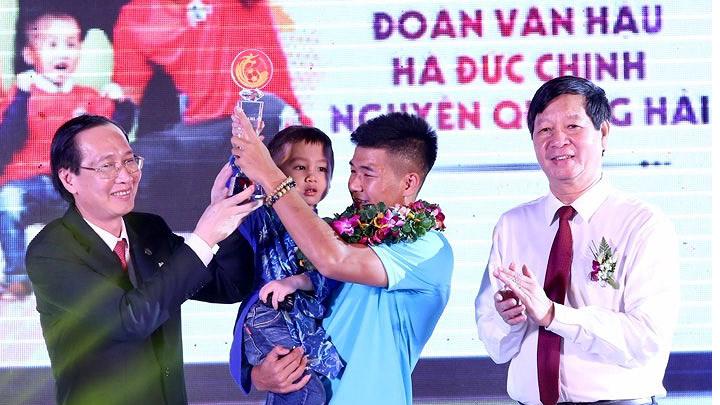 Thầy trò HLV Park Hang Seo đăng quang ở giải Fair Play 2018