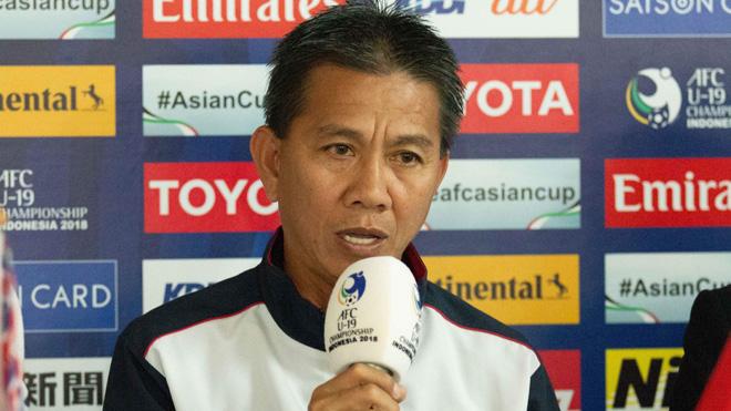 HLV Hoàng Anh Tuấn thắc mắc vì màn trình diễn của U19 Việt Nam