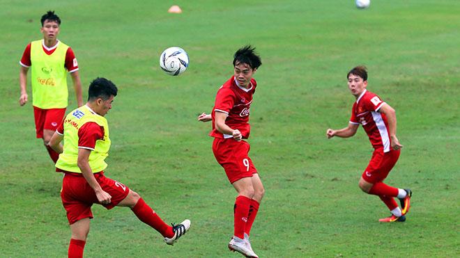 HLV Park Hang Seo bất ngờ loại chuyên gia sút phạt số 1 V-League