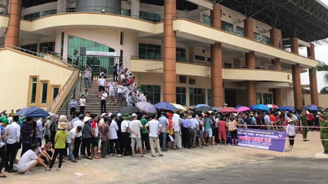 CĐV Phú Thọ sôi sục vì vé xem U23 Việt Nam – U23 Myanmar