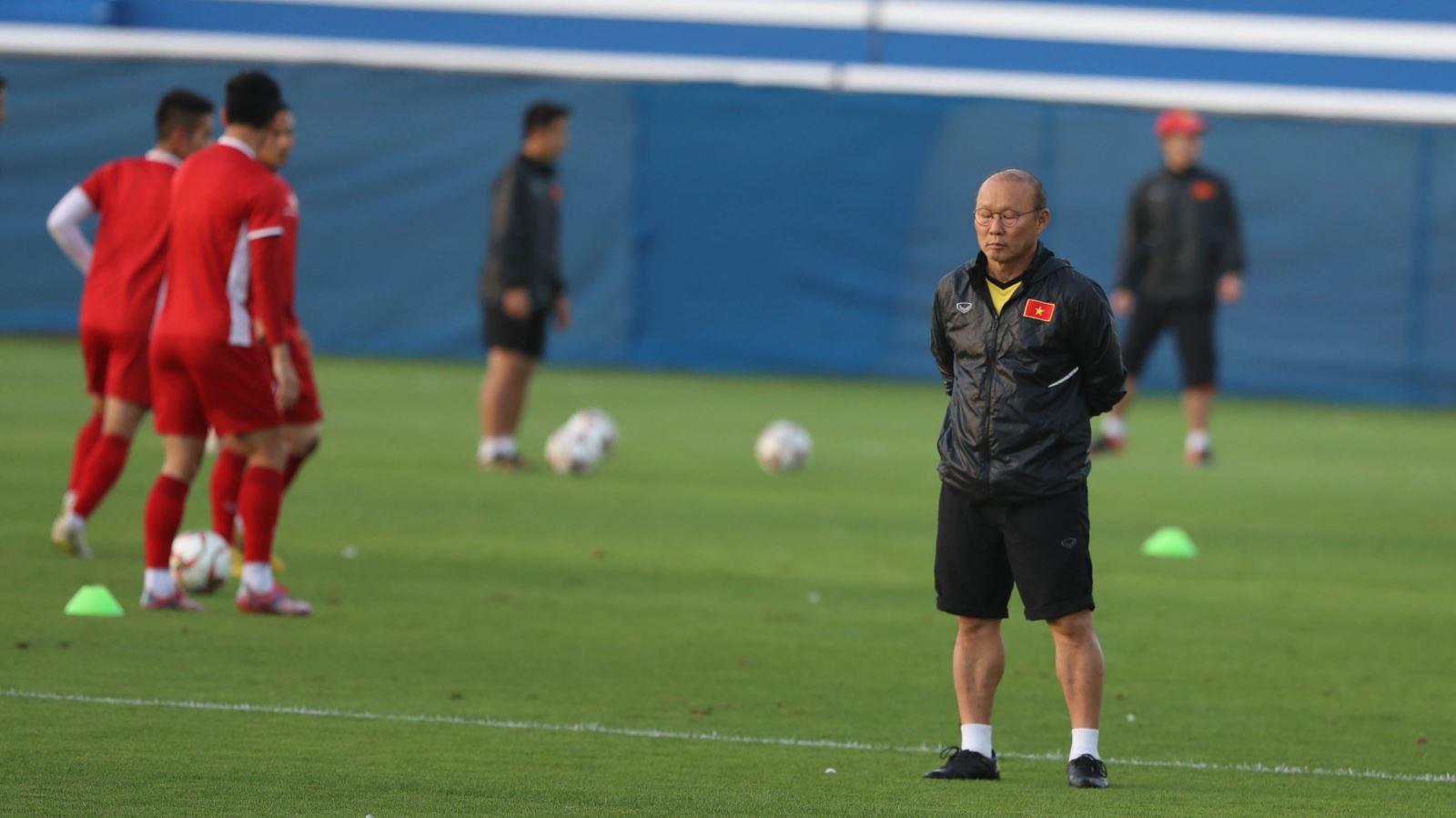 AFC yêu cầu Indonesia phải đền bù tuyển Việt Nam vì đá ở Bali