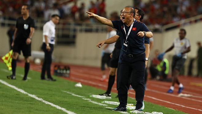 Cựu tuyển thủ Lê Quốc Vượng: 'Ông Park vẫn cao tay hơn ông Tan'