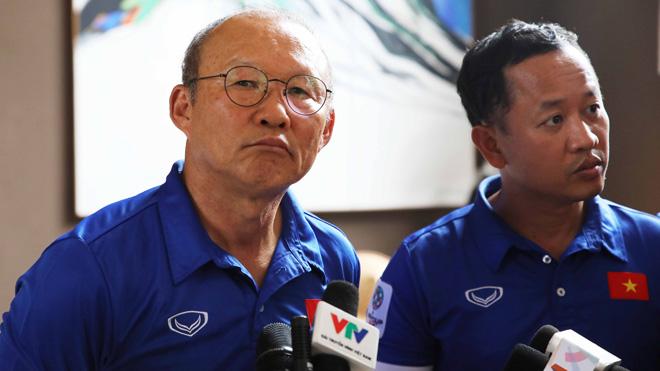 HLV Park từng 'nghiêm khắc' với trợ lý Lê Huy Khoa như thế nào?
