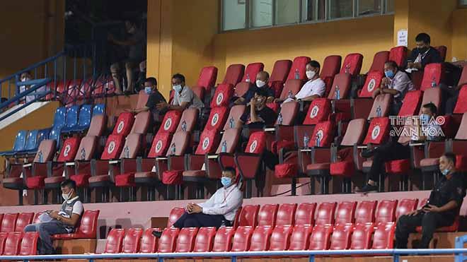 HLV Park Hang Seo chứng kiến Quang Hải 'giải hạn'