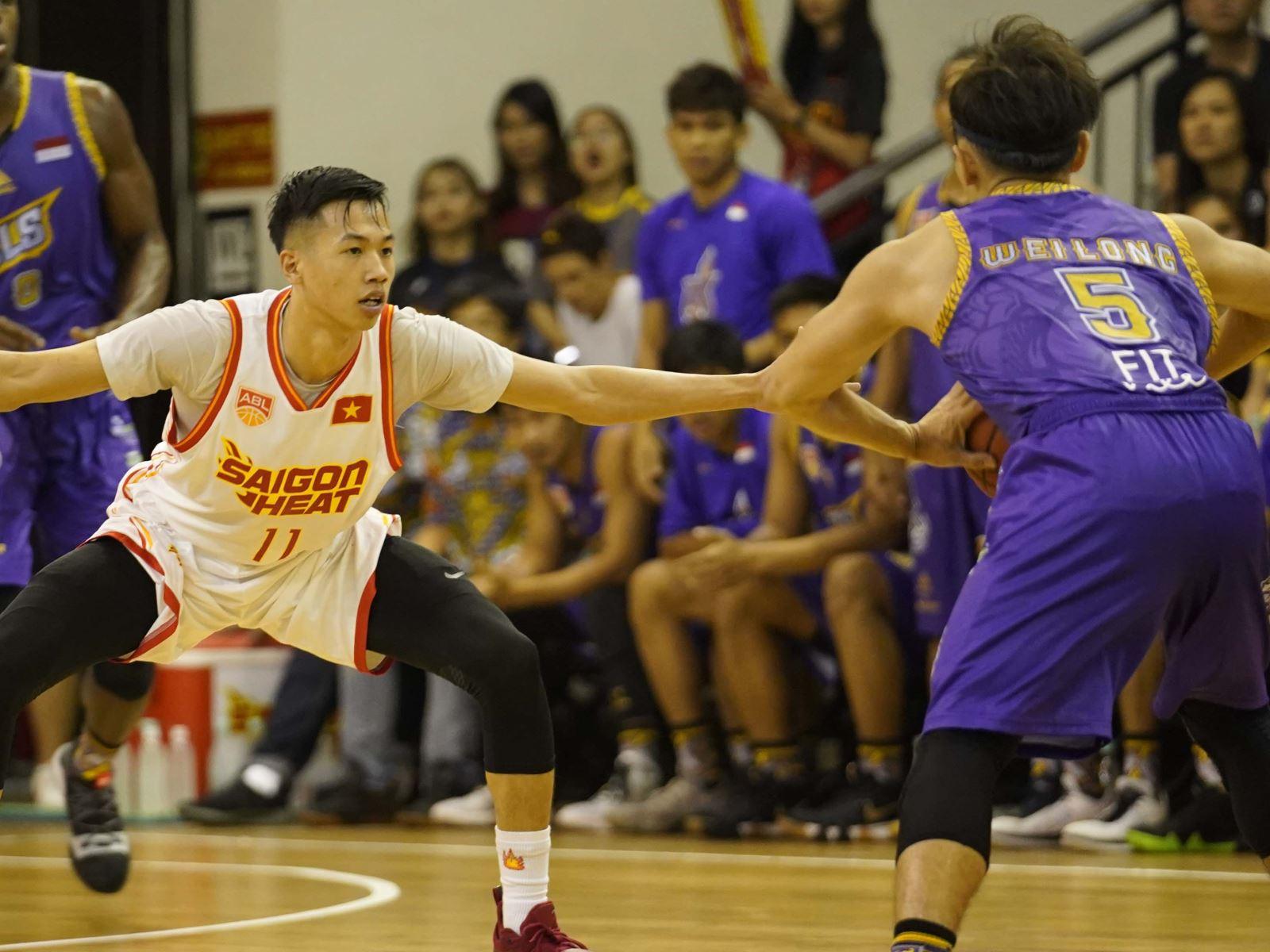 ABL 2019: Saigon Heat 82-80 CLS Knights Indonesia: Ngược dòng kịch tính, 'Ông 30' giành chiến thắng ngày ra quân