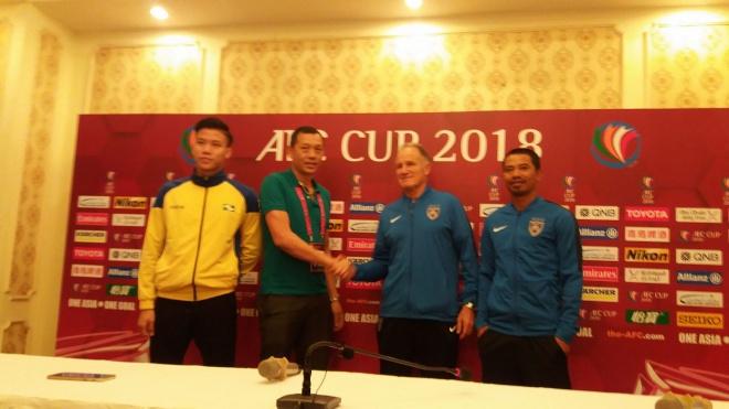 SLNA đọ sức với tuyển Malaysia 'thu nhỏ'
