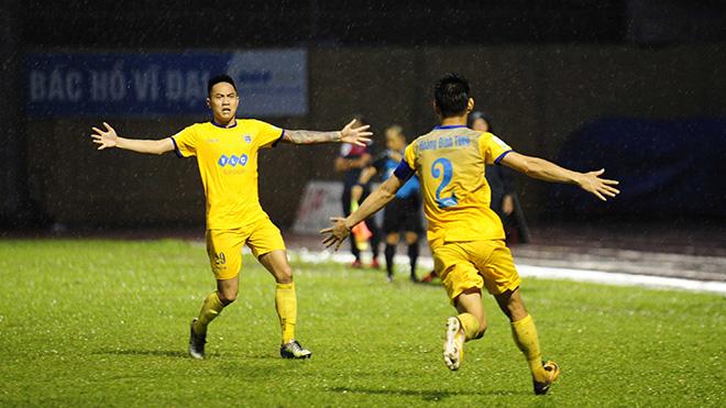 FLC Thanh Hóa 1-1 Than Quảng Ninh: Chủ nhà vất vả có 1 điểm