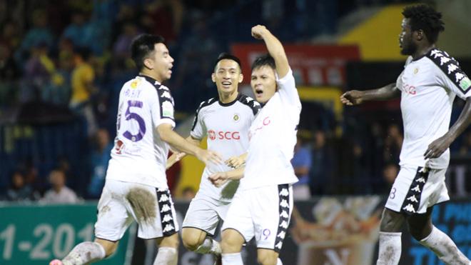 Ngược dòng đánh bại FLC Thanh Hóa, Hà Nội FC chạm tay vào chức vô địch