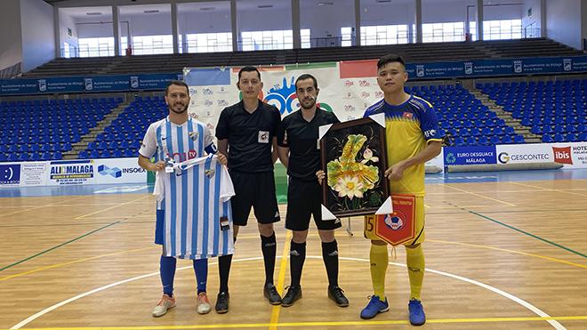 Tuyển futsal Việt Nam thắng đậm CLB Malaga