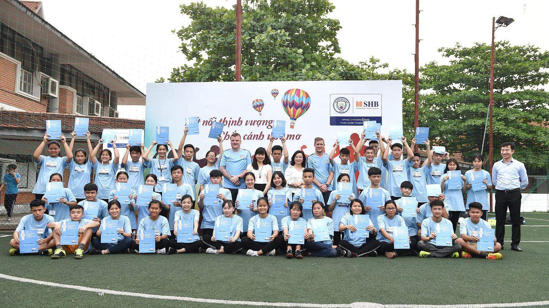 Man City tiếp tục chương trình đào tạo 'Nhà lãnh đạo trẻ' ở Việt Nam