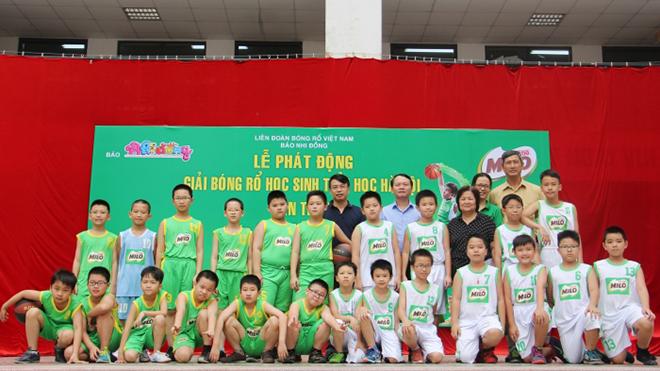 Giải bóng rổ HS tiểu học Hà Nội 2017 tăng số đội tham dự