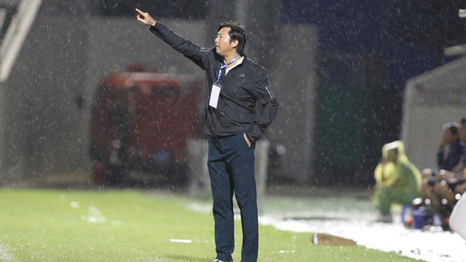HLV Huỳnh Đức: 'Tôi nghỉ cũng hơi buồn vì tình cảm ở đây nhiều quá'