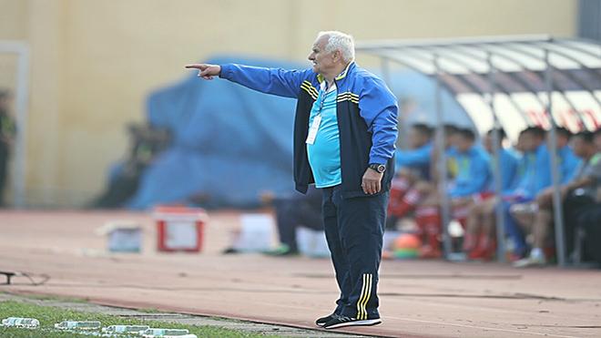 HLV Petrovic xoay chuyển tình thế tài tình ở FLC Thanh Hóa