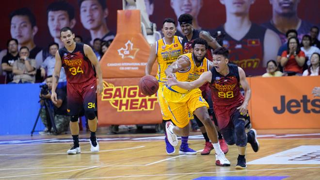 VBA 2018 Game 2, Saigon Heat 86-77 Hochiminh City Wings: Chủ nhà khởi đầu thuận lợi