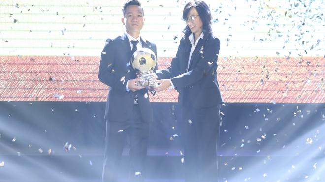 Quả bóng vàng Việt Nam 2017: Lần đầu của Thanh Trung, lần thứ 7 của Kiều Trinh