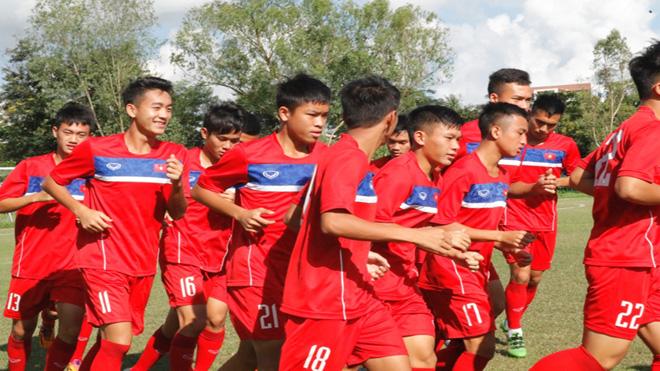 Văn Hậu chấn thương nhẹ, U18 Việt Nam luyện sút penalty