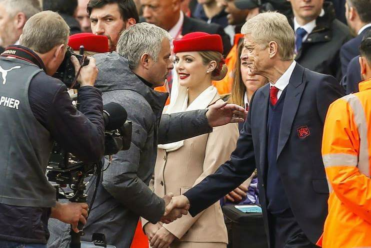 HỌ ĐÃ NÓI, Mourinho: 'Sanchez chắc đã biết Tuanzebe là ai'; Wenger: 'Đá với Man United, phải kiên nhẫn mới thắng'