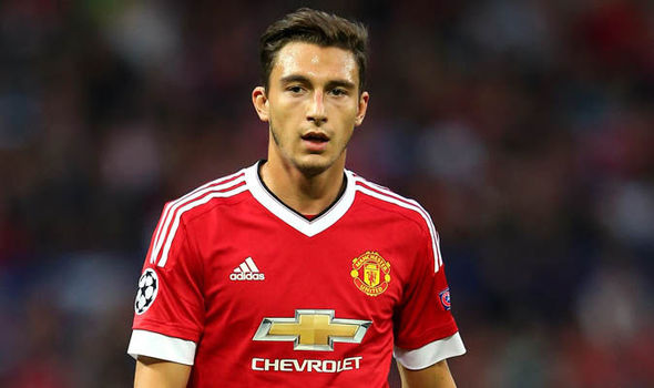 Matteo Darmian tiến bộ nhưng tại sao Man United vẫn cần thêm hậu vệ trái?