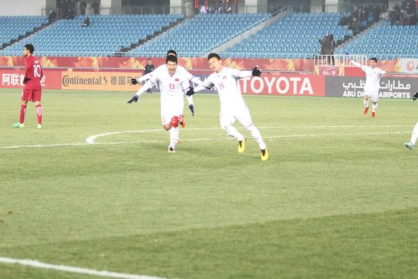 ĐIỂM NHẤN U23 Việt Nam 2-2 (pen 4-3) U23 Qatar: Tuyệt vời thày trò HLV Park Hang Seo. Lịch sử bóng đá đã sang trang
