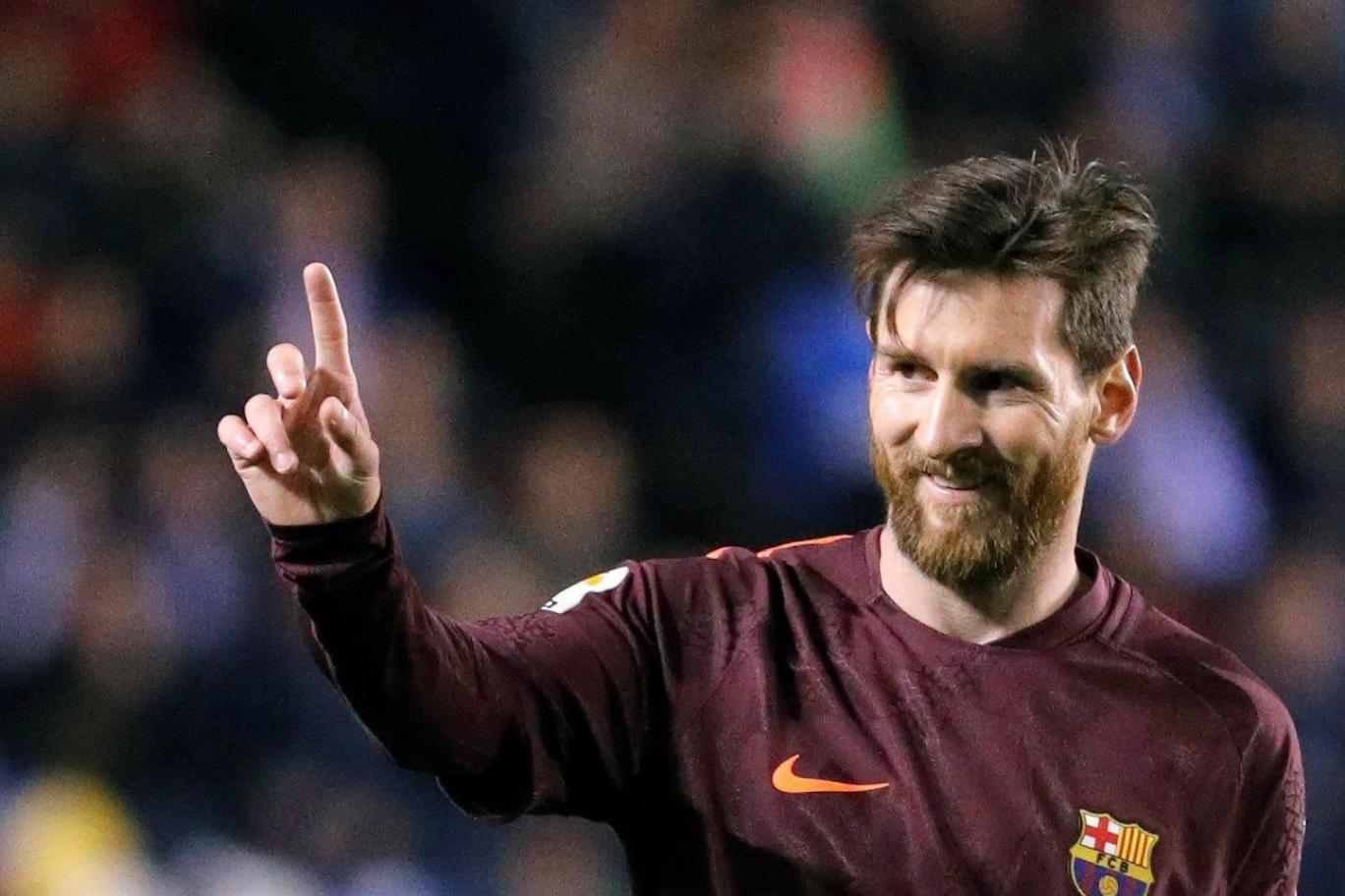 Messi chạm mốc 1000 bàn, dẫn đầu cuộc đua Chiếc giày vàng châu Âu