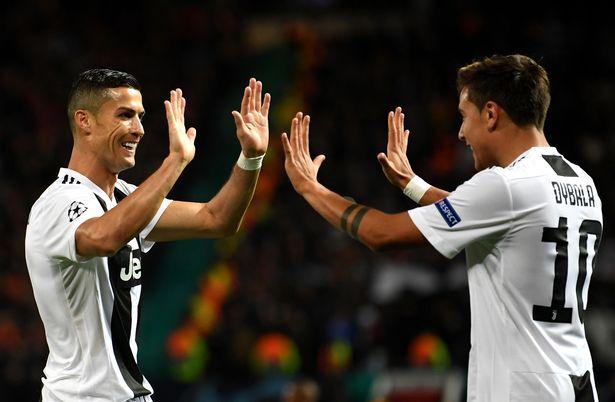 Ronaldo và Pogba đã chơi thế nào  trong trận thư hùng ở Old Trafford?