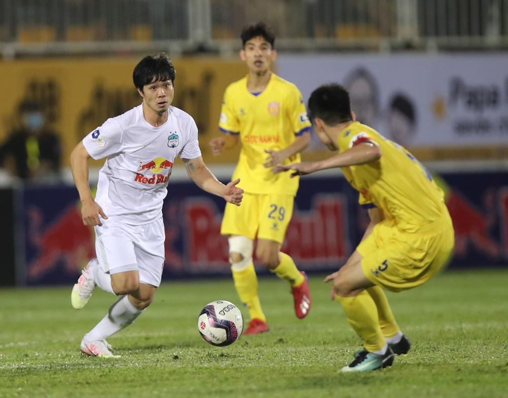 Lịch thi đấu V-League 2021: HAGL vs Hà Nội FC. Bảng xếp hạng bóng đá Việt Nam