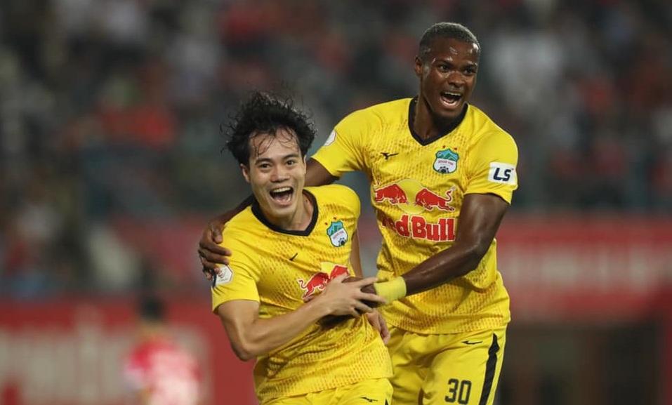 Bảng xếp hạng V-League 2021 vòng 8: Hạ Đà Nẵng, HAGL trở lại ngôi đầu